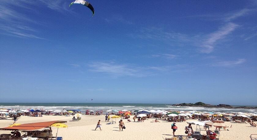 Praia de Pitangueiras Guarujá
